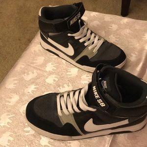 Size 7 youth Nike SB